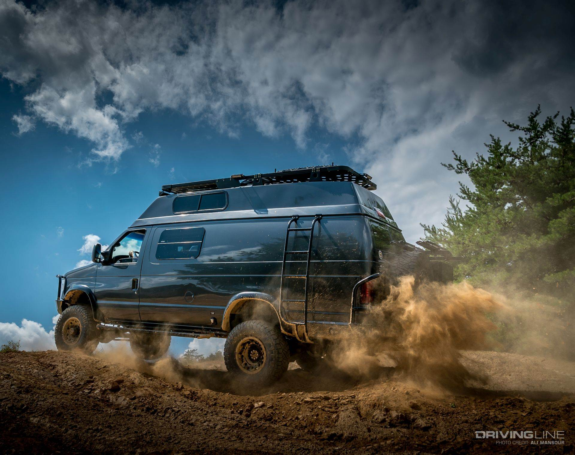 Overlanding Alpha Van Ford E-350 4x4