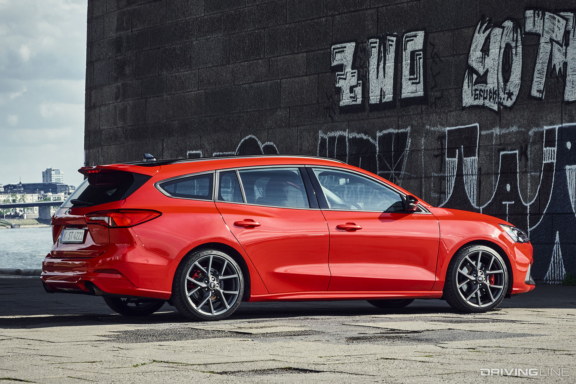 Ford Reveals 2019 Ford Focus ST Wagon | DrivingLine