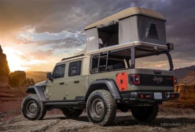 Jeep Wayout Gladiator camping setup