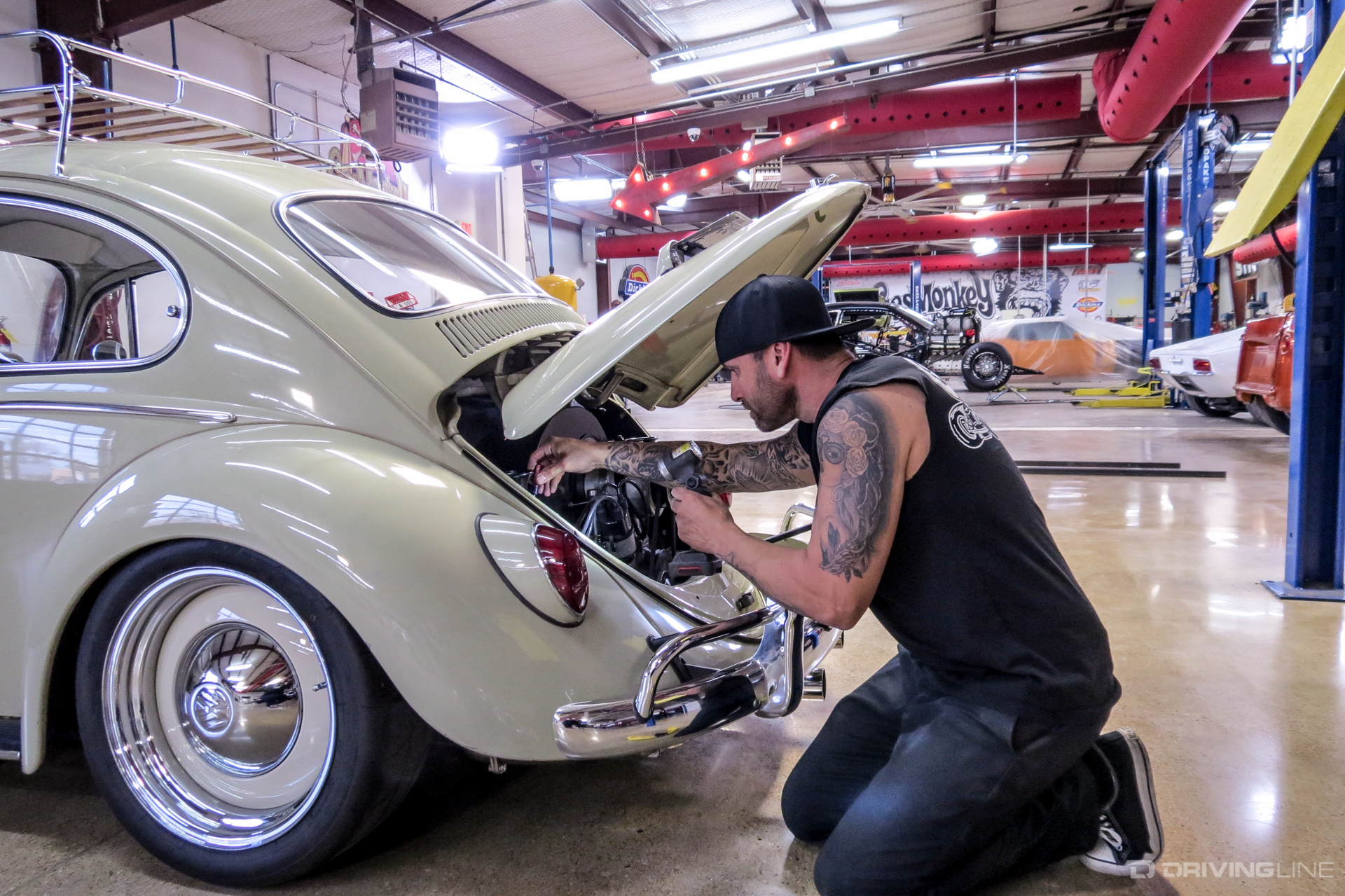 Gas Monkey Garage : Gas monkey garage uses large portable fans ceiling fans by big