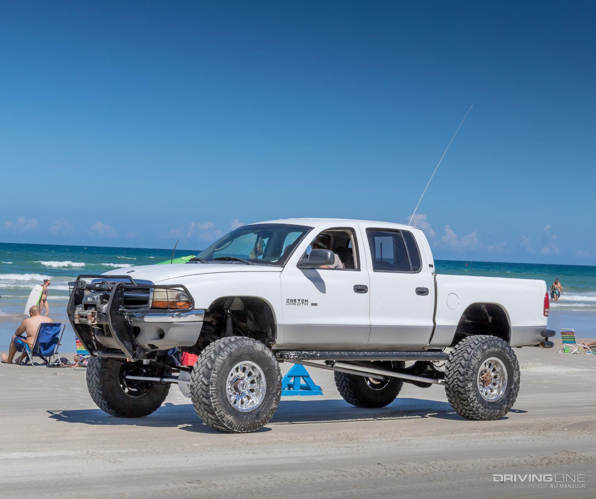Battle of the Bling: The 2017 Daytona Truck Meet | DrivingLine